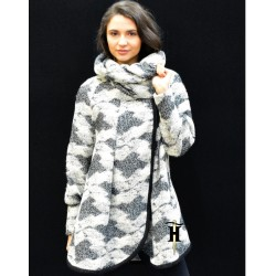 Poncho Coat with a stand-up...